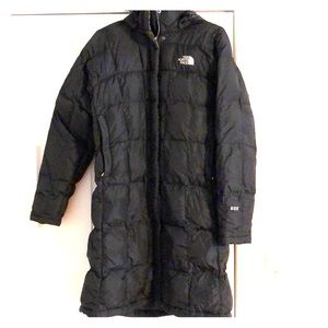 Women's NorthFace down jacket sz med. black. Warm!